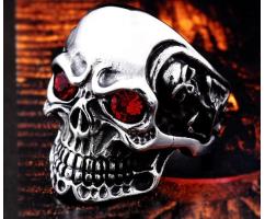 Печатка с черепом и красными цирконами R154