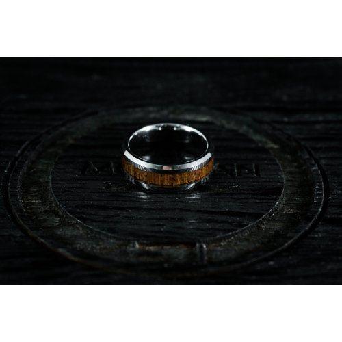 Кольцо из вольфрама с инкрустацией дерева