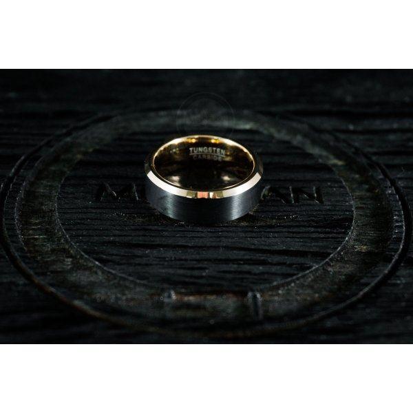 Кольцо из вольфрама черно-золотое