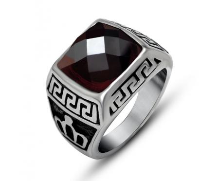 Мужской перстень с гранатом классический R4601