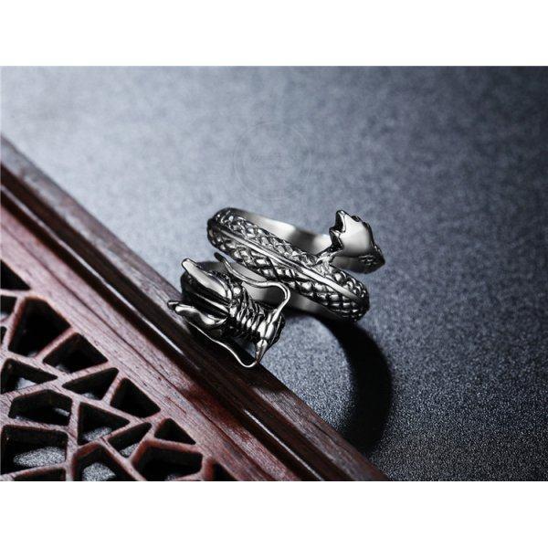 Кольцо в форме дракона R266