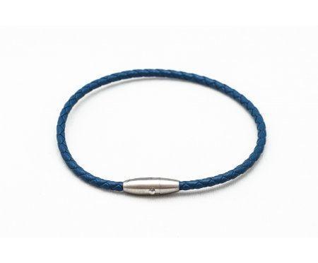 Браслет из тонкой плетенной кожи на магните синий QB103