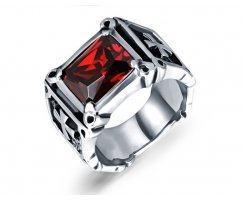 Перстень с красным камнем R1724