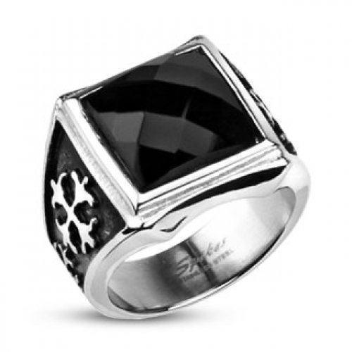 Мужской перстень с ониксом SPIKES Массивный, настоящий мужской перстень из ювелирной стали